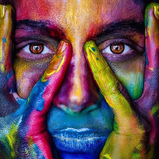 цветное лицо
